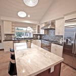 Chef kitchen with quartzite countertop